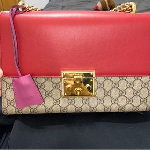 Gucci padlock shoulder bag!